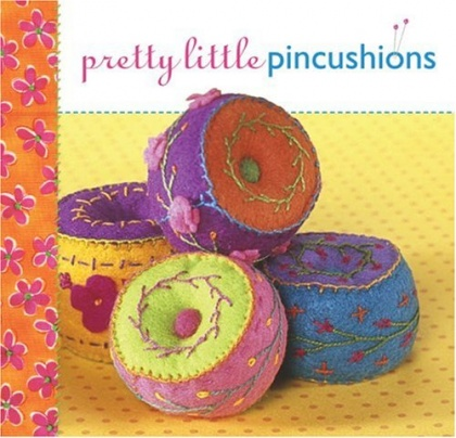 Pretty Little Pincushions, 9781600591440